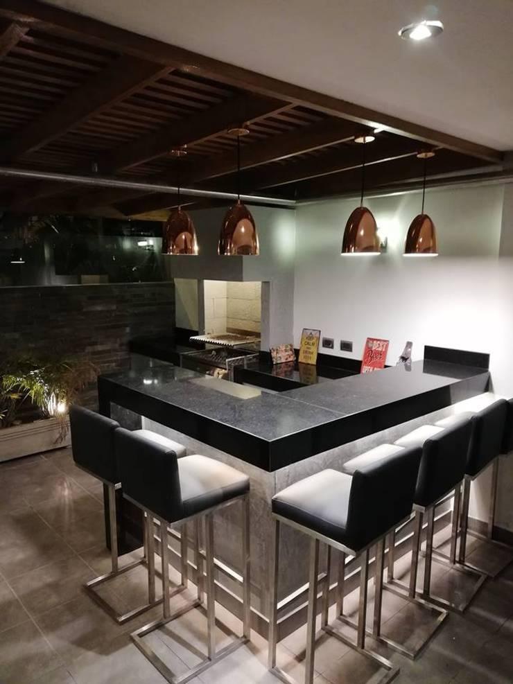 Proyecto <q>Del Pinar</q> en San Borja: Terrazas de estilo  por MIMETIKA