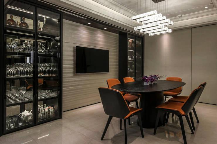 華人匯:  餐廳 by 雅群空間設計