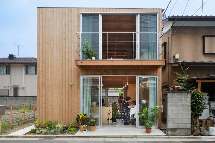 木箱の家: すずき/suzuki architects (一級建築士事務所すずき)が手掛けた一戸建て住宅です。