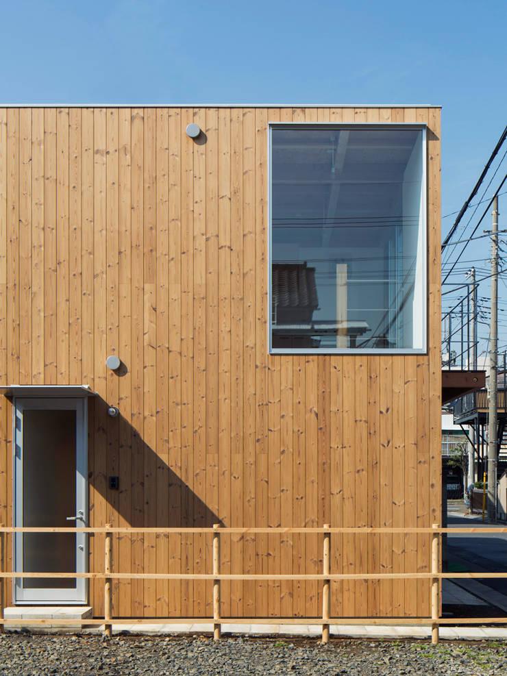 木箱の家: すずき/suzuki architects (一級建築士事務所すずき)が手掛けた家です。