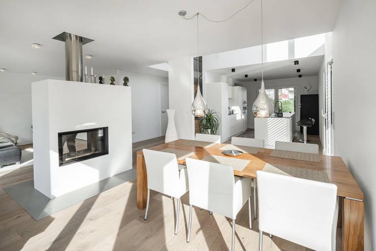 Individuell geplantes Traumhaus mit vielen Highlights innen wie außen :  Esszimmer von wir leben haus