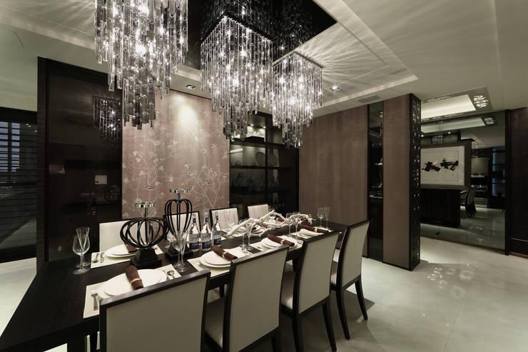 帝品苑:  餐廳 by 雅群空間設計