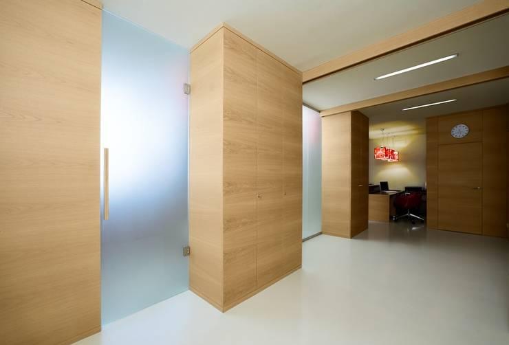 Study/office by Arredamenti Caneschi srl