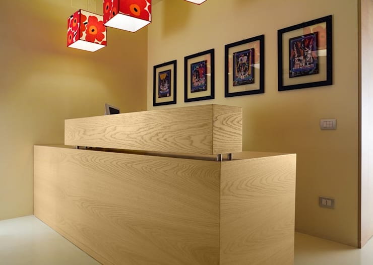 de estilo  por Arredamenti Caneschi srl, Moderno Madera Acabado en madera