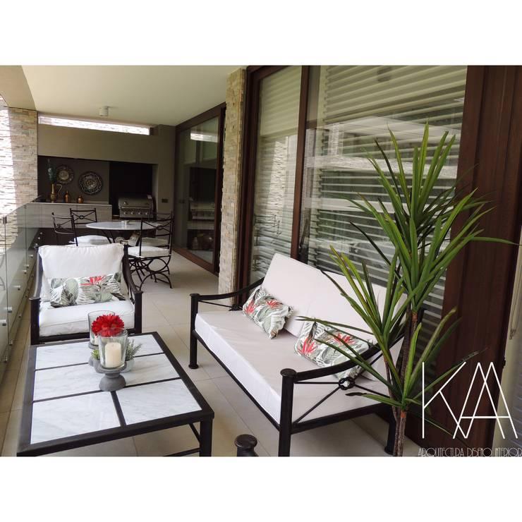Terraza : Terrazas  de estilo  por Kaa Interior