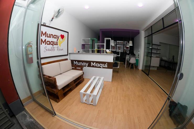 Spa Munai Maqui: Oficinas de estilo  por DIS.OLIVER QUIJANO