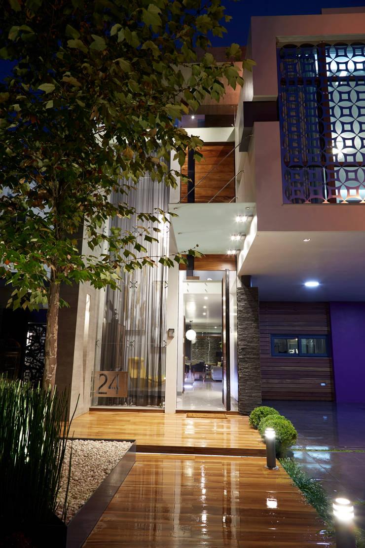 Rumah Modern Oleh arketipo-taller de arquitectura Modern