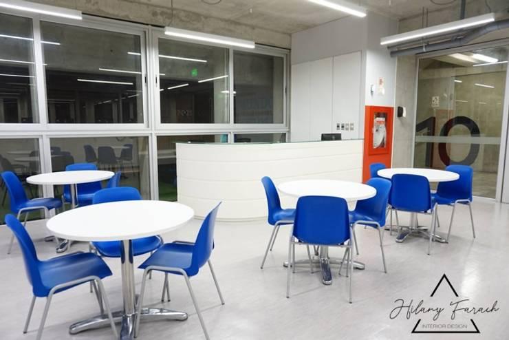 Proyecto Comercial - Biblioteca Universidad Utec: Escuelas de estilo  por Farach Interior Design