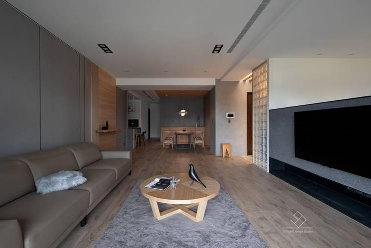 公共空間:  走廊 & 玄關 by 極簡室內設計 Simple Design Studio
