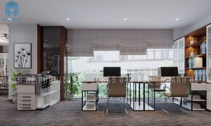 Bàn làm việc dành cho hai người với không gian khá rộng rãi và tầm nhìn khá lớn:  Phòng học/Văn phòng by Công ty TNHH Nội Thất Mạnh Hệ