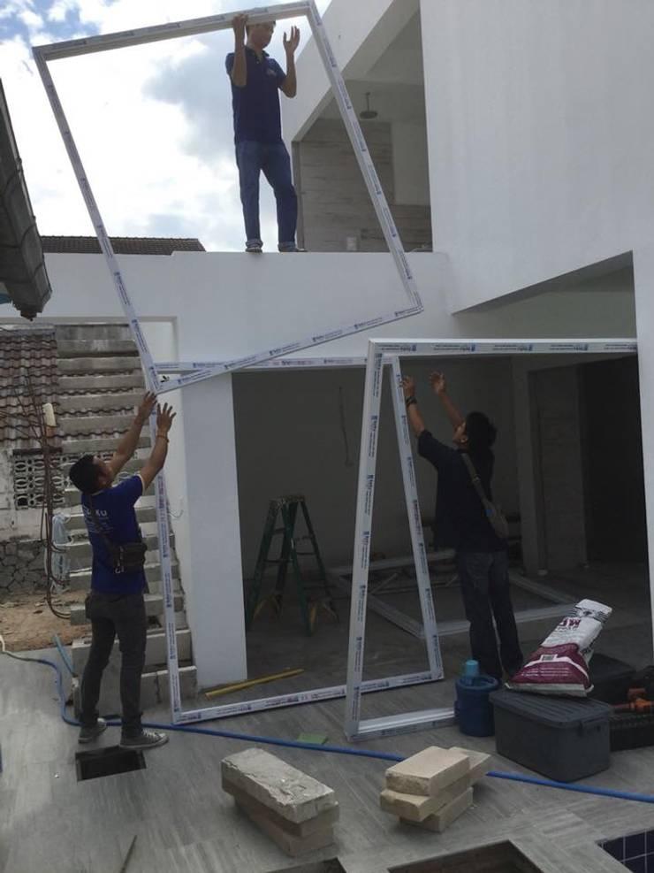 งานติดตั้ง ประตู-หน้าต่าง upvc  (ทัพยา ซอย1) เขาพระตำหนัก พัทยาใต้ :  หน้าต่างและประตู by บริษัท เดโค้ เยอรมัน วินโดว์ (ประเทศไทย) จำกัด