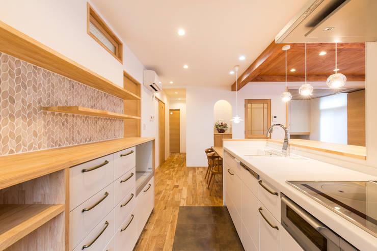 安曇野の家。: 株式会社ルティロワ 一級建築士事務所が手掛けたキッチンです。,