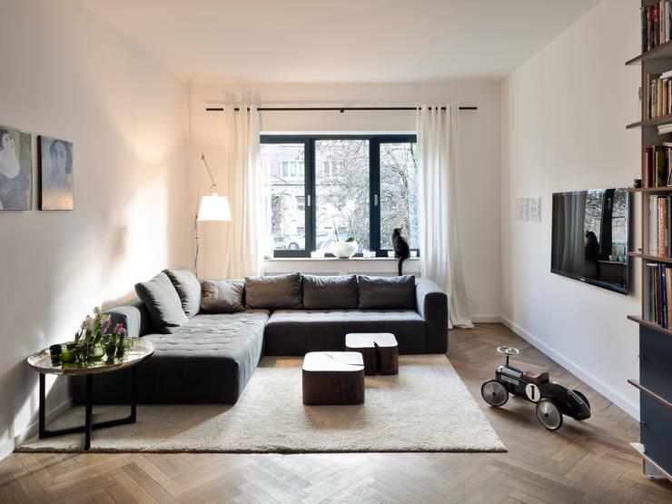 Wohnhaus Düsseldorf:  Wohnzimmer von Sebastian Hopp PHOTOGRAPHY