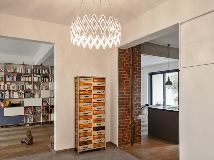 Wohnhaus Düsseldorf:  Flur & Diele von Sebastian Hopp PHOTOGRAPHY