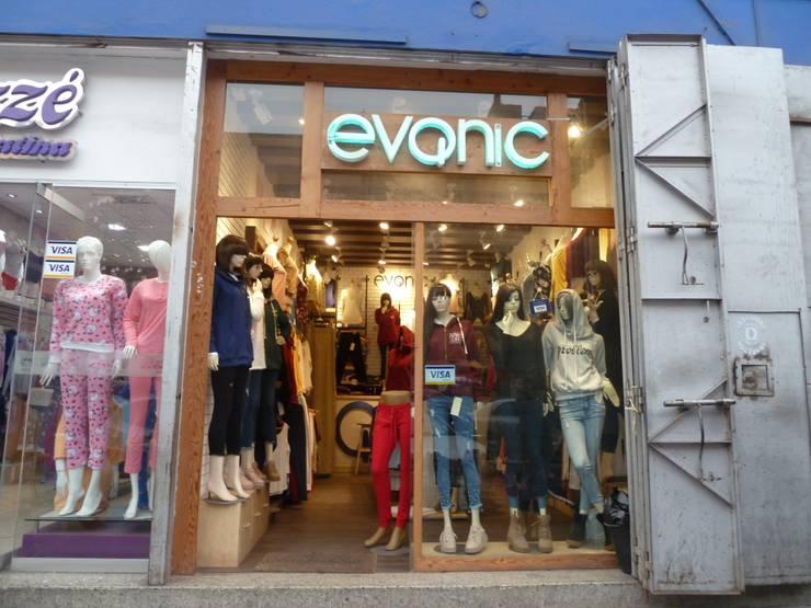 Diseño Boutique- EVQNIC: Casas de estilo  por DIS.OLIVER QUIJANO, Moderno