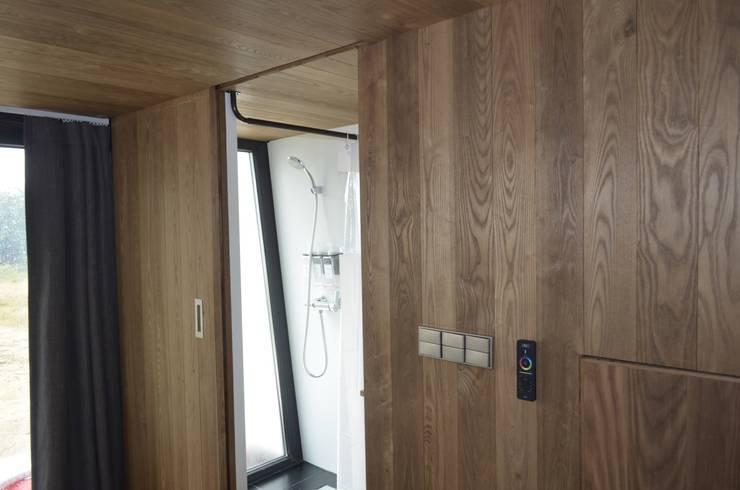 이동식주택 <q>호텔 마름모</q>: 마룸의  욕실
