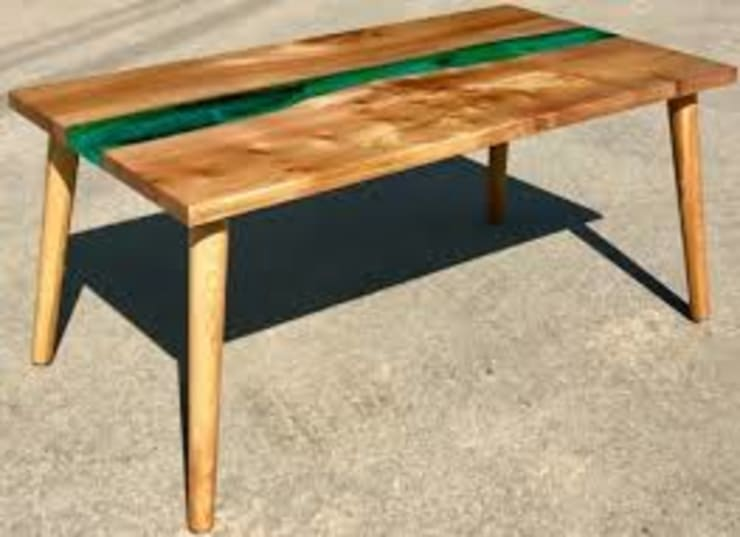 Classic Resin Wood table from reclaimed wood: modern  by Element Wood Crafts, Modern Wood Wood effect
