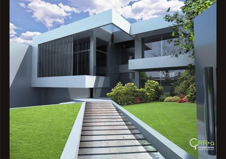 Patio de acceso principal desde la calle: Casas de estilo  por Rr+a  bureau de arquitectos - La Plata,
