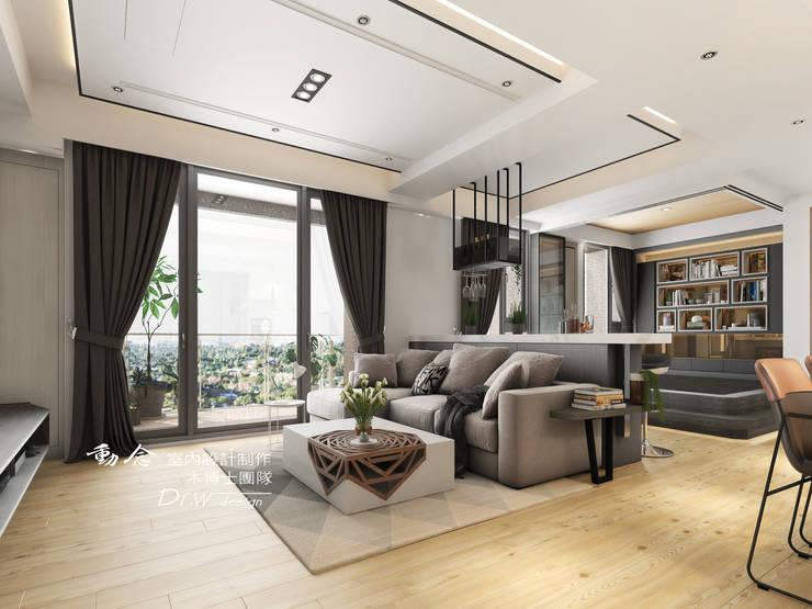 客廳/現代風:  客廳 by 木博士團隊/動念室內設計制作