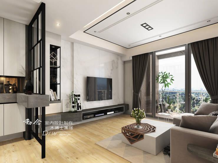 客廳/歐式系統傢俱/電視櫃/石材/電視牆面/現代風:  客廳 by 木博士團隊/動念室內設計制作