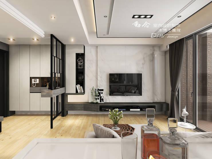 客廳/石材/造型天花板/電視牆/現代風:  客廳 by 木博士團隊/動念室內設計制作
