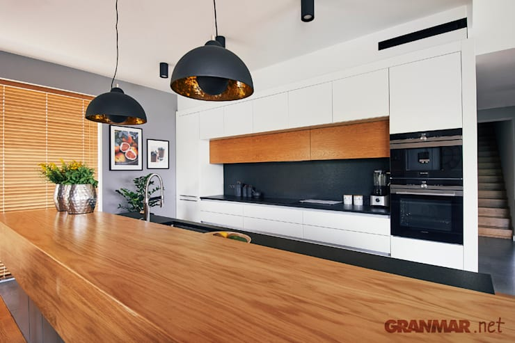 Cocina de estilo  de GRANMAR Borowa Góra - granit, marmur, konglomerat kwarcowy