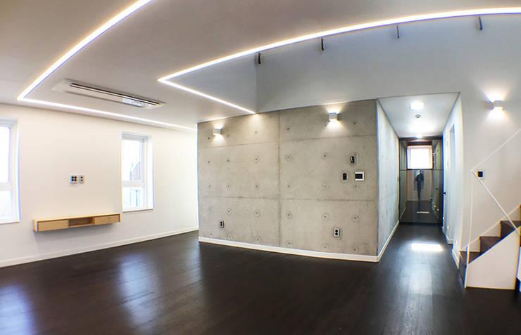 소현대재: 건축사사무소 지음의  거실