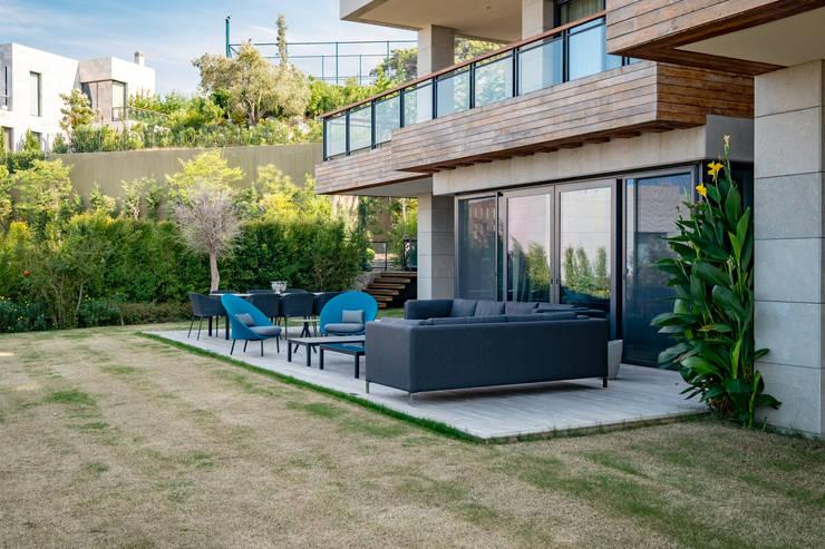 Patios & Decks by Slash Architects