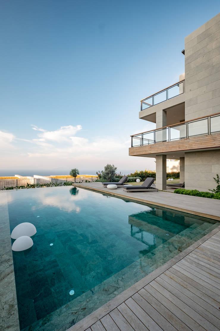 Pool by Slash Architects