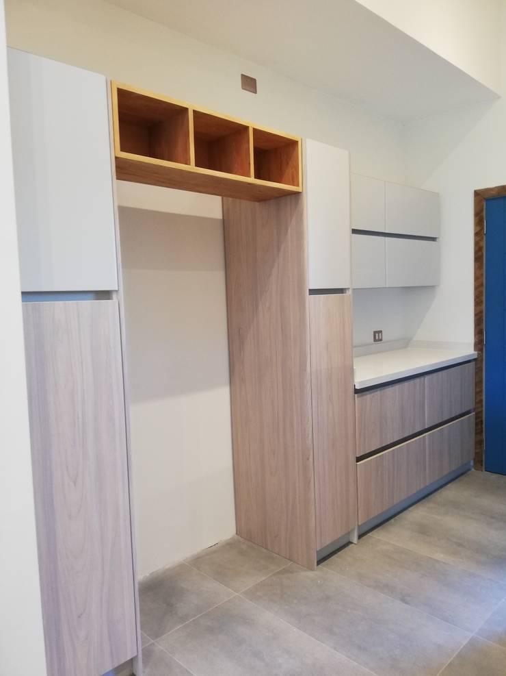 Diseño de Cocina en Puerto Varas por Quo Design: Muebles de cocinas de estilo  por Quo Design