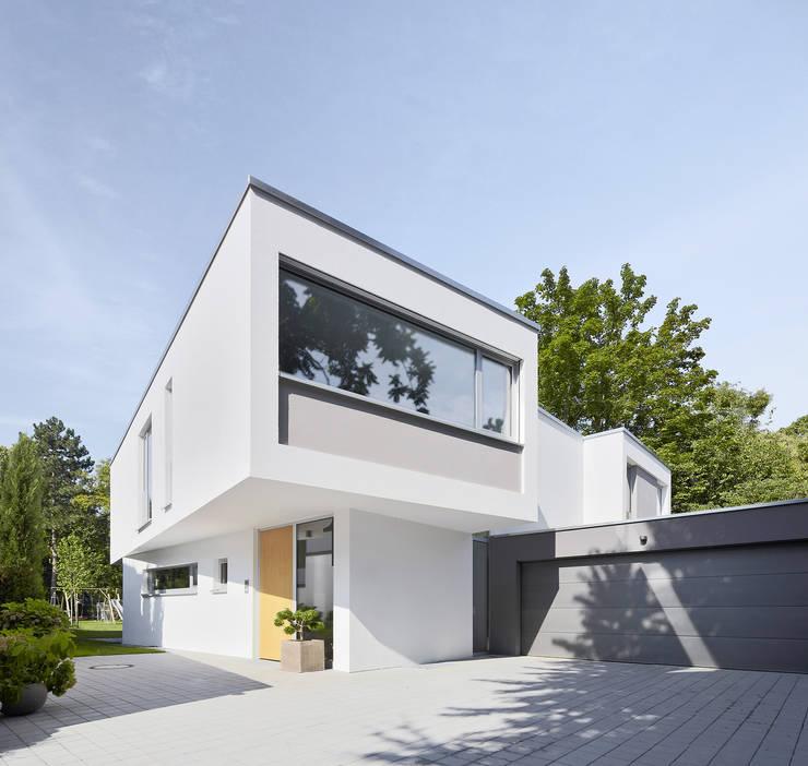 Wohnhaus C in Mainz Außenaufnahme:  Einfamilienhaus von Lennart Wiedemuth / Architekturfotografie