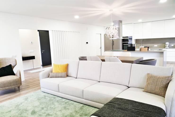 Salon de style  par Jesus Correia Arquitecto,