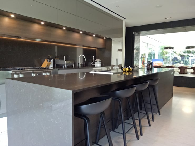 Faber Drive:  Kitchen by Furnistyle Concept,Modern