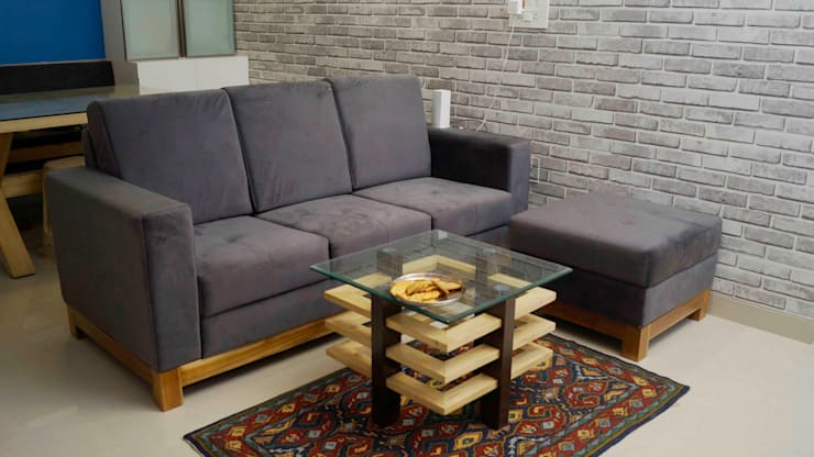 Raheja Vista Pune:  Living room by decormyplace