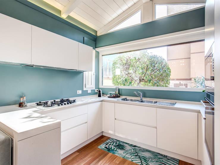 現代廚房設計點子、靈感&圖片 根據 MOB ARCHITECTS 現代風