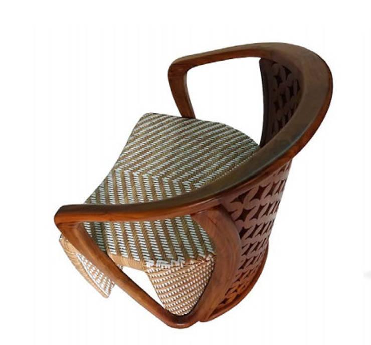 Inggíl armchair:  Living room by Sweden studio
