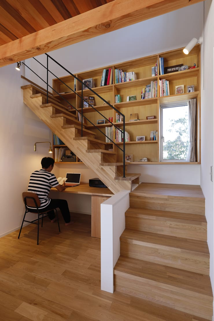 Rustic style study/office by 悠らり建築事務所 Rustic Wood Wood effect