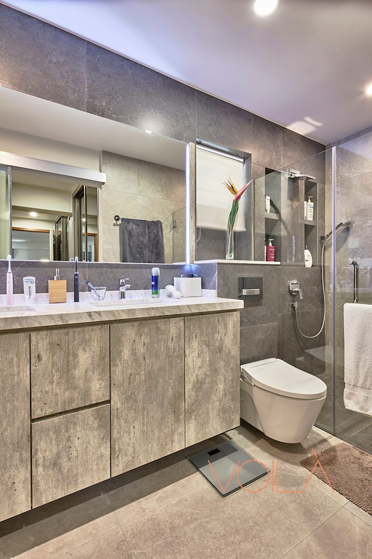 255 Bishan:  Bathroom by VOILÀ Pte Ltd