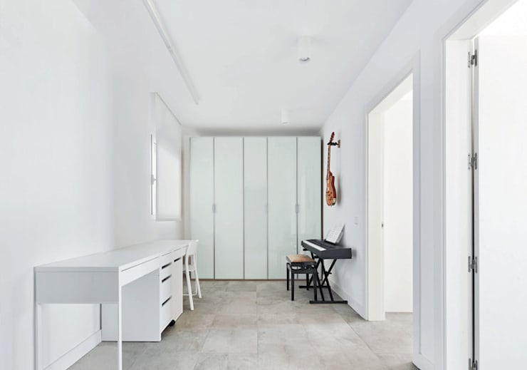 Corridor & hallway by Luxiform Iluminación