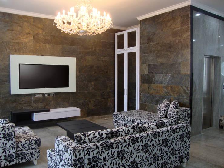 Ruang Tamu / Ruang Keluarga :  Ruang Keluarga by Sweden studio