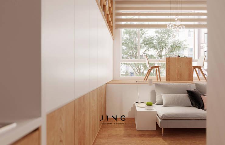 Tainan City 黃宅:  客廳 by 景寓空間設計