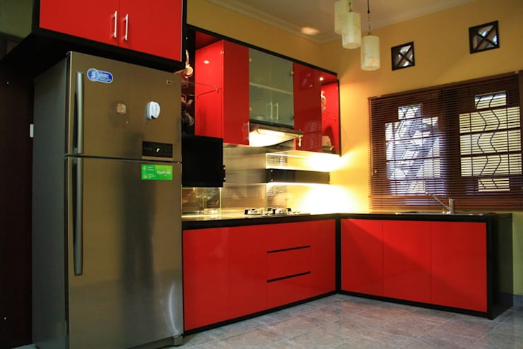 Kitchen set :  Dapur built in by Koloni Tri Arsitama
