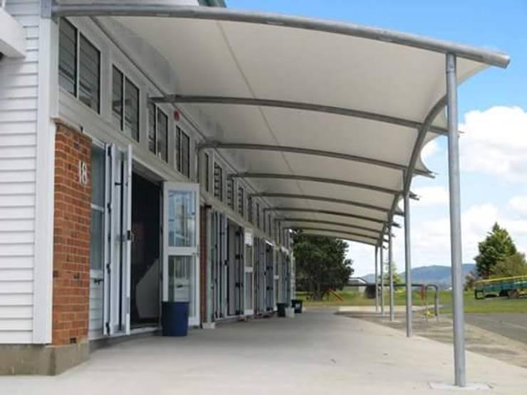 TENDA MEMBRANE:  Garages & sheds by sundacanopy