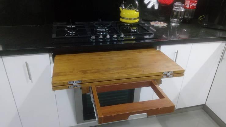 Diseño Cocina multifuncional: Cocina de estilo  por DIS.OLIVER QUIJANO