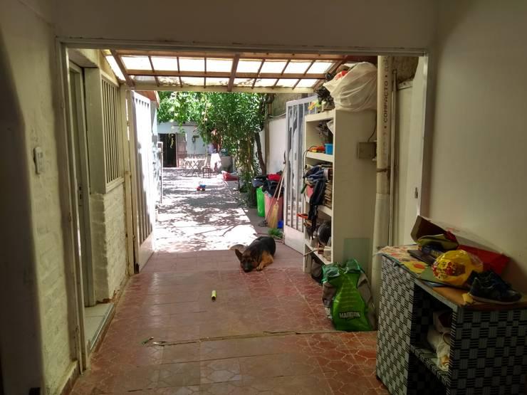 Galería donde se planteó la cocina:  de estilo  por Ponce Interiores