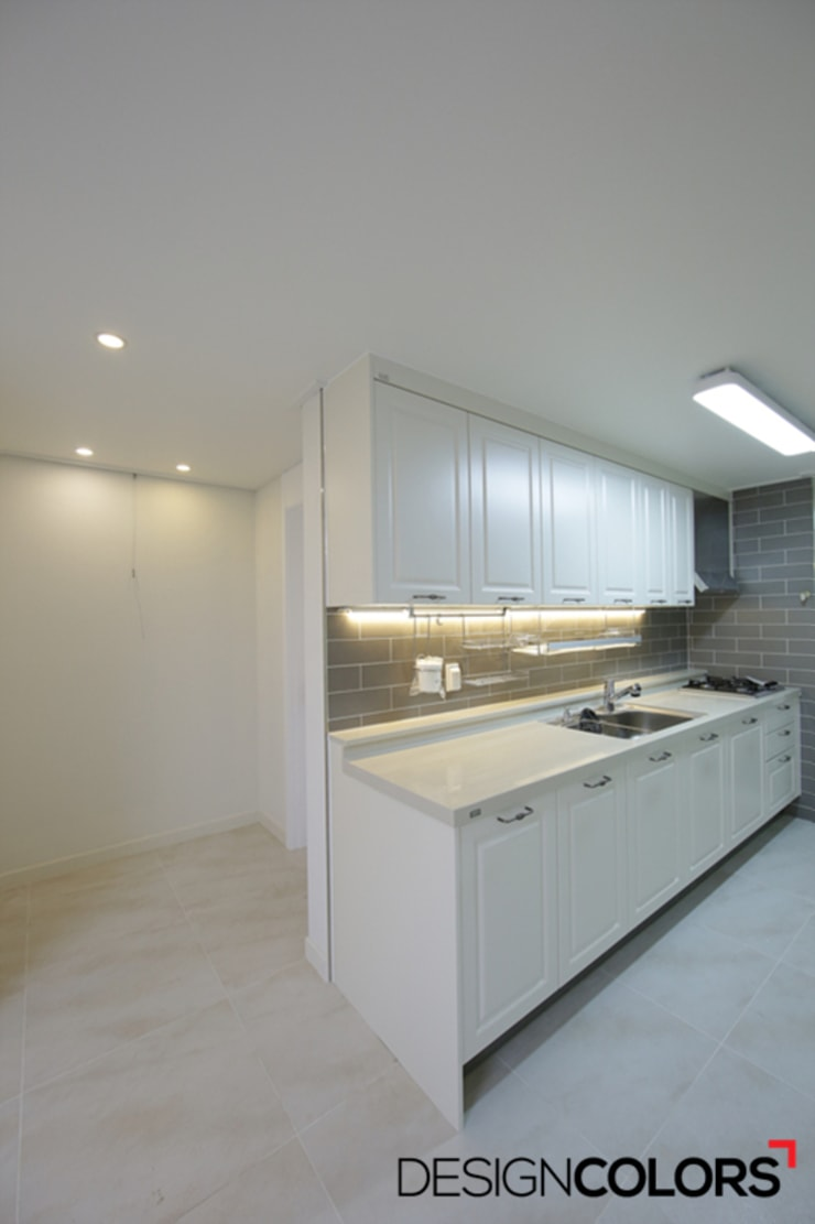 마포구 신수동 마포경남아너스빌 아파트 인테리어 32평: DESIGNCOLORS의  주방,