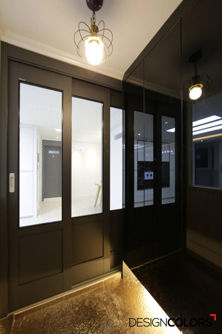 노원구 하계동 청구 아파트 인테리어 31평: DESIGNCOLORS의  복도 & 현관,