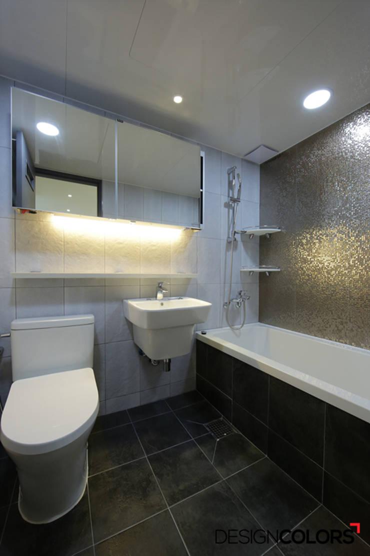 노원구 하계동 청구 아파트 인테리어 31평: DESIGNCOLORS의  욕실,