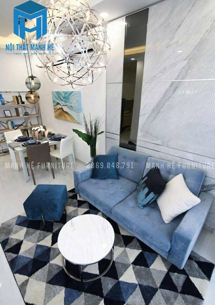 Diện tích phòng khách khá nhỏ gọn:  Phòng khách by Công ty TNHH Nội Thất Mạnh Hệ