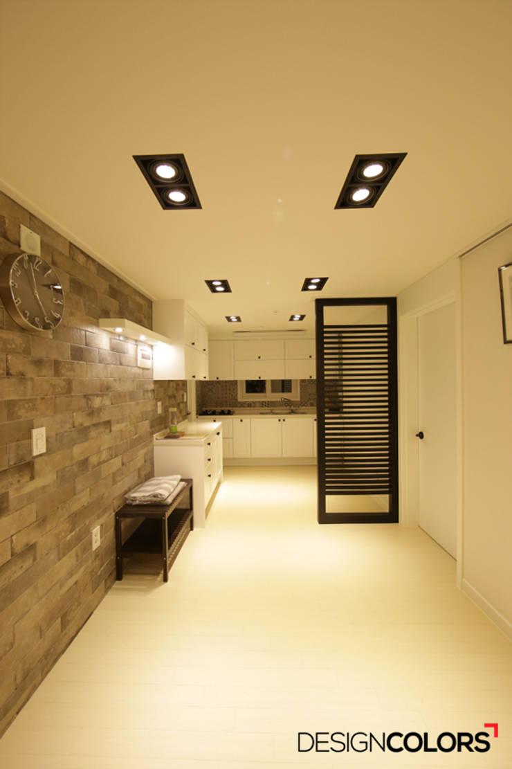 강남구 도곡동 경남 아파트인테리어 32평 : DESIGNCOLORS의  주방